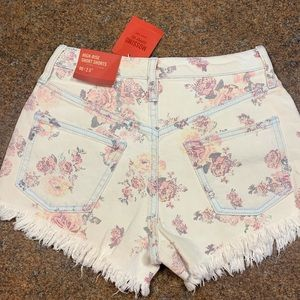 Mossimo high rise floweredy denim shorts
